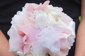 Bridesmaid's bouquet © Erika's Way Photography