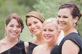 Bride and Bridesmaids © Erika's Way Photography