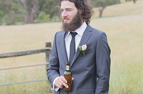 Best man and beer © Erika's Way Photography