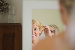 Mum and Bride and the veil. © Erika's Way Photography in Melbourne, Vic